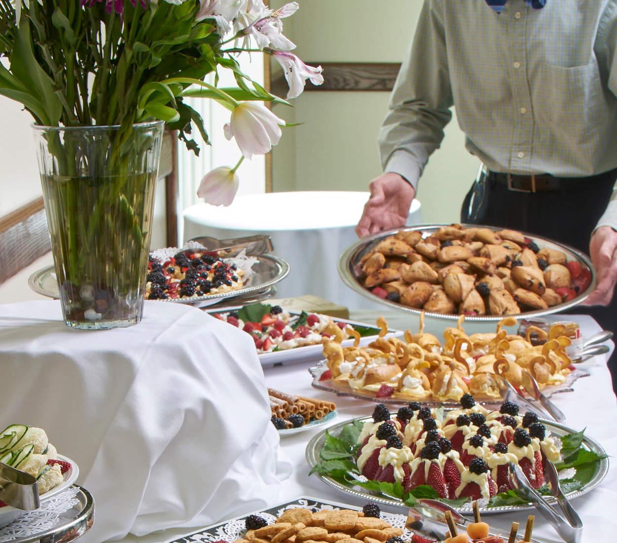 Chef Jody preparing food at the Courtyard at Carolina Meadows